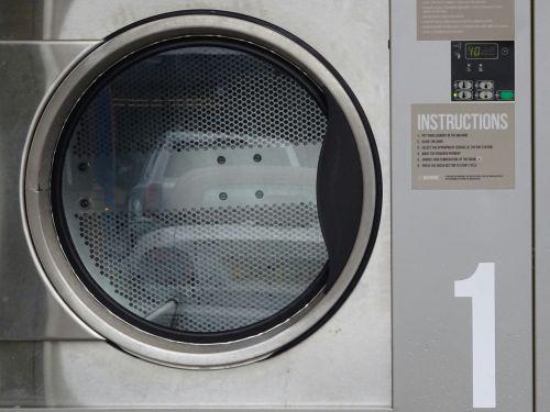 skalbyklė, skalbyklė, skalbyklos, skalbyklos, skalbimas, mašina, mašinos, džiovintuvas, džiovyklės, parduotuvė, parduotuvės, Parduotuvė, visuomenė, moneta, veikė, gatvė, gatves, kelias, keliai, kelyje, skalbimo džiovykla