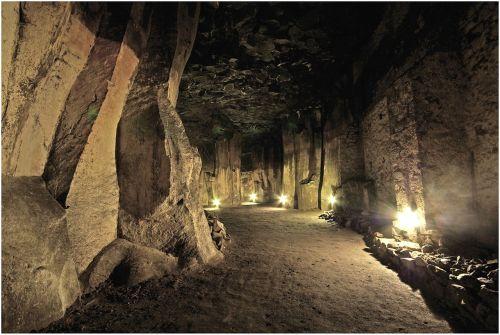 lavakeller,eifel,po žeme,pritraukimas,lankytojų pritraukimas,tamsi,šviesa,toli,eiti