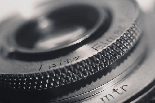 objektyvas,fotoaparatas,išsamiai,kameros lęšis,fotografija,įranga,nuotrauka,juoda,stiklas,dėmesio,profesionalus,technologija,užraktas,priartinti,optinis,makro,optinis,prietaisas,studija