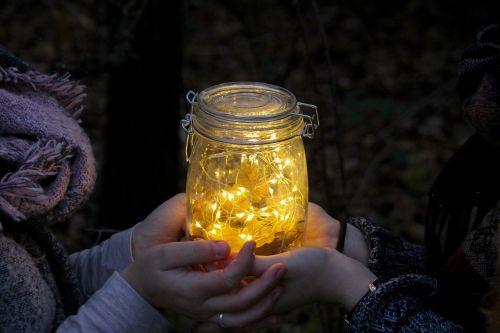 šviesa,Draugystė,meilė,džiaugsmas