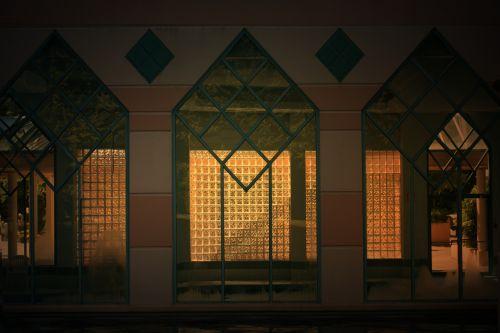 stiklas & nbsp, plytos, architektūra, siena, pastatas, egyptian, vakaras, apšviesta sienų architektūra