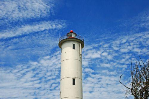 švyturys, bokštas, švyturys, įspėjimas, jūrų, balta, aukštas, dangus, debesis, švyturys su baltu debesiu