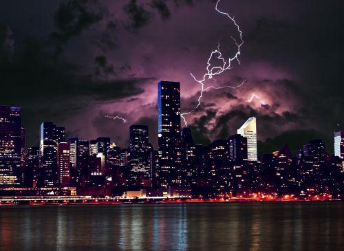miestas, panorama, naktis, upė, pastatai, debesys, apšvietimas, žibintai, atspindys, architektūra, centro, pastatas, miesto panorama, dangus, miestas & nbsp, panorama, dangoraižis, biuras, nauja & nbsp, York & nbsp, miesto & nbsp, panorama, nauja & nbsp, york & nbsp, panorama, scena, vakaras, vaizdingas, audra, apšviestas, l, žaibo panorama