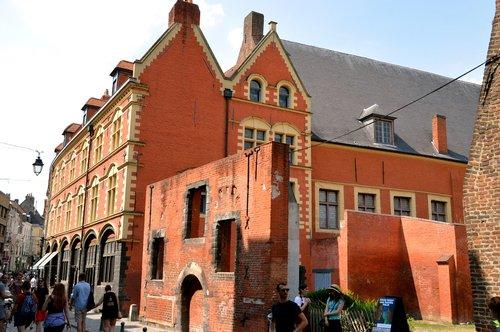 Lille, Miestas, metai Lilis, Gatvė, architektūra, Flamandų architektūra, Šiaurė, regionas Nord Pas-de-Calais, architektūra nuo XVII amžiuje, fasadas, Hospice Comtesse