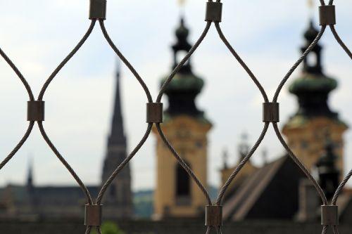 linz,austria,miestas,kultūra,namai,bažnyčia,Senamiestis,architektūra,pastatas,bokštas,garbinimo namai,tvora,tinklelis