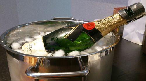 likeris,šampanas,sveikinu