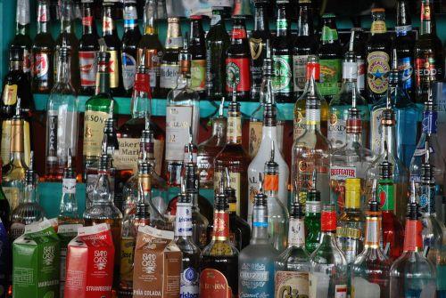 buteliai, likeris, spalvinga, alkoholis, baras, veislė, sumaišyti, gerti, kokteilis, girtas, priklausomybę, reabilitacija, likeris
