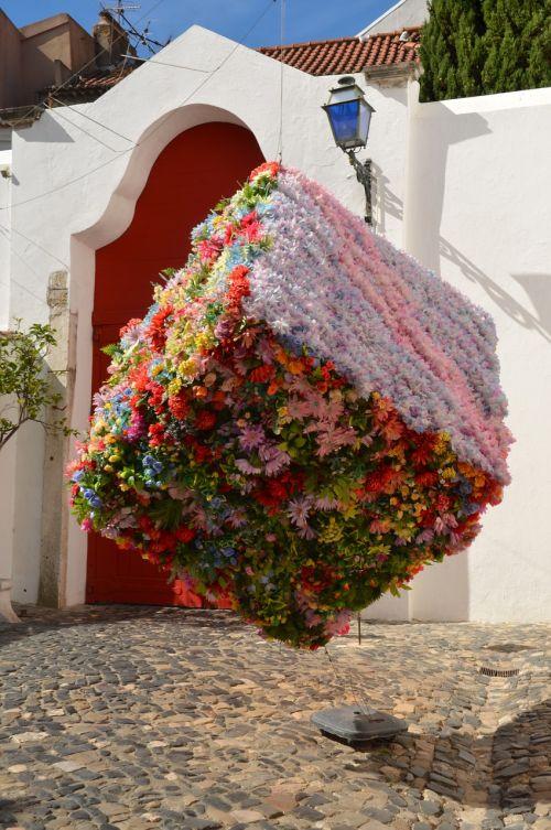 lisbonas,menas,portugal,meno kūriniai,už meno ribų,gėlės,meno objektas,skulptūra,plastmasinis,objektas,šiuolaikiška