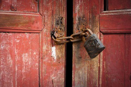 užraktas,senas,durys,niūrus,paslaptis,Šalis,kaimo vietovėse
