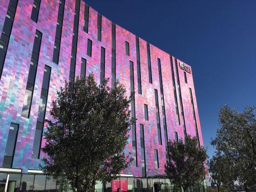 Londonas,rožinis pastatas,architektūra,Londono architektūra,moderni architektūra