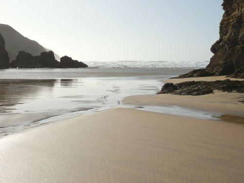 vienišas paplūdimys,papludimys,įeinančios bangos,viršutinė dalis,vienišas,kranto,smėlio paplūdimys Smėlėtas paplūdimys,vienas