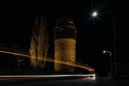 ilga ekspozicija,naktis,naktinė fotografija,šviesa,ilgas užraktas,kelias,naktį,šviesos pėdsakai,apšviestas,žiburiai,automatinis,eismas,naktinė nuotrauka,toli