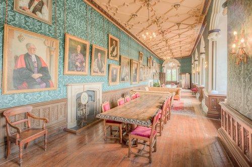 ilgai galerija, ilgai, galerija, koridorius, koridoriai, praėjimas, ištraukos, Tapyba, interjero, interjerai, viduje, architektūra, statyba, kambarys, kambariai, istorinis, istorinis, metai, garsus, graži, gražus, puošnus, dekoruotas, Anglų, britų
