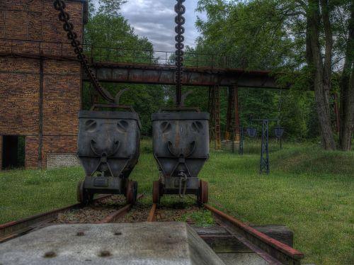 Louise briketų fabrikas,gamykla,senoji gamykla,brandenburg,palikti,sugadinti,senas,pasibaigė,industrija,pastatas,skilimas,salė,gamyklos pastatas,sunaikinimas,senoji plytinė,sunaikintas,purvinas,pilka,šešėlis,kaminas,architektūra,mistinis