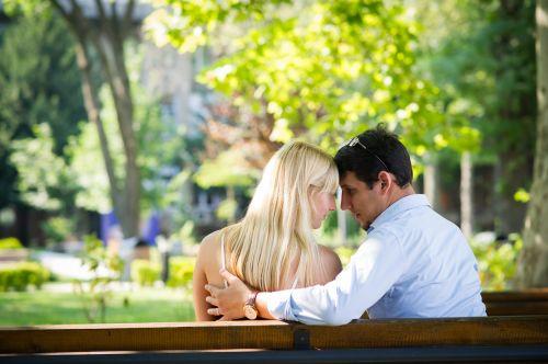 meilė,pora,pora į meilę,laimingas,jaunoji meilės pora,jaunas,moteris,vyras,jaunoji šeima,laimingos poros,vaikinas,mergina,tikra meilė,tikra meilė niekada miršta,susituokusi pora,santuoka,5 santuokos metai,5 metų laimės,tikra meilė,mylintis pora,dragostai,iubire,adevarata,cuplu,indragostiti,meilės apibrėžimas,meilė tvyro ore,meilė parke,parkas,širdis,laimė,nekaltas,nekaltumas