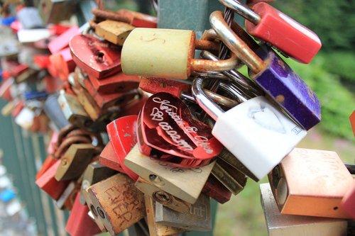 meilė, pilis, pilys, myliu pilį, tiltas, mėgsta užrakto tiltelį, širdies, romantiškas, Raktas, simbolis, jungtis, Spynos, sėkmė, kartu, prieraišumas, mėgėjai, partnerystė, Pakabinamosios, Romantika, bendrumo