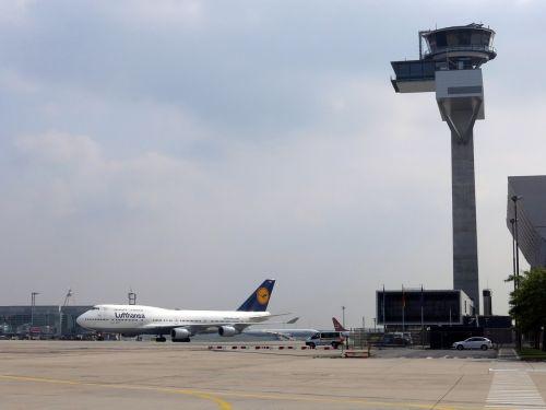 lufthansa,bokštas,oro eismo kontrolė,oro uostas,Frankfurtas