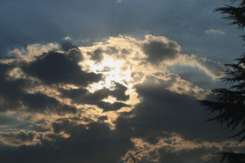 debesis, laisvas, sunaikintas, netolygus, šviesus, blizgus & nbsp, pataisymas, apvadu, tamsus & nbsp, blotingas, dangus, liuminescencinis debesis