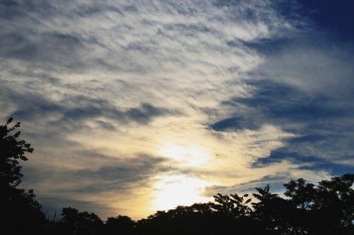 debesis, šviesa, šviesus, permatomas, spindi, trapezavimas, dangus, šviesus debesys