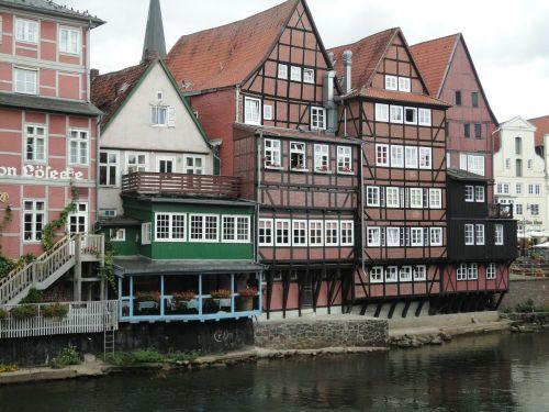 Lüneburg,vanduo,bankas,seni namai,namai fasadai,istoriniai namai