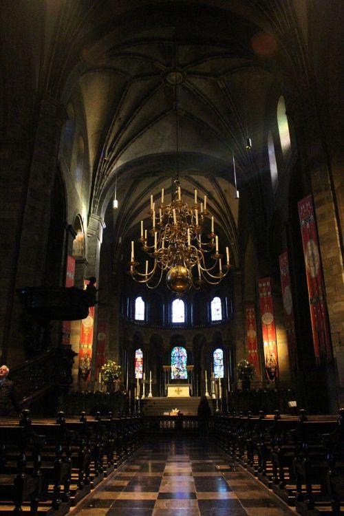 Mastrichtas,mūsų ponios bažnyčia,romanesque,nave,bažnyčia,architektūra,krikščionybė,krikščionis,pastatas,katalikų,bazilika,katalikų bažnyčia,katalikybė,Nyderlandai,romaniškoji bažnyčia
