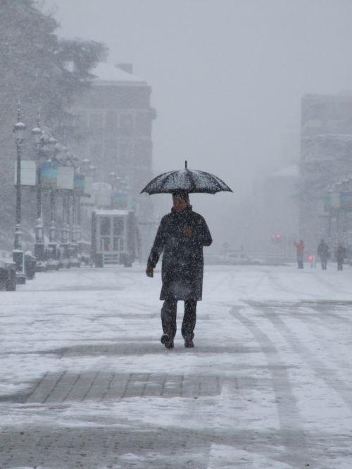Madrid Sniegas, Vaikščioti Su Sniego, Žmogus Su Skėčiu