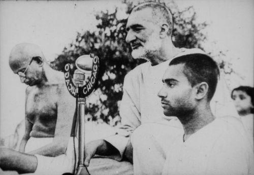 Mahatma Gandhi,mohandas karamčand gandhi,abdul ghaffar khan,pacifistas,dvasinis lyderis,nežviliškumas,pasipriešinimas,lygybė,rasinė segregacija