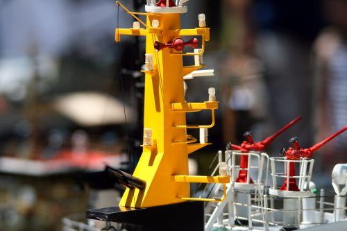 stiebas, geltona, struktūra, vilkikas, modelis, rodyti, pagrindinis stiebas ant parat vilkiko modelio