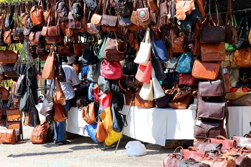 turgus,maišeliai,spalvinga,gatvės turgus,pirkimas,bazar,odos gaminiai,odiniai krepšiai,priklausyti