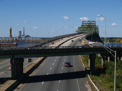 Massachusetts,dangus,debesys,tiltas,greitkelis,greitkelis,transporto priemonės,eismas,kraštovaizdis,vasara,pavasaris,architektūra,upė,vanduo,pastatai