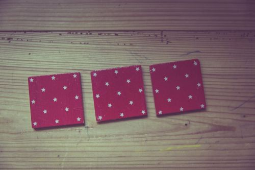 atmintis,žaisti,atminties mokymas,koncentracija,išdėstymas,kortelės,kartonas,raidės,tinklelis,įrašyti į sąrašą,Tinker,aikštės
