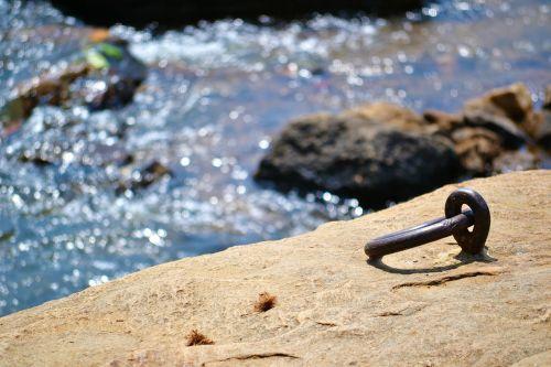 metalinis žiedas,priesaga,varžtas,fiksavimas,inkaras,Šri Lanka,ceilonas,pinnawala