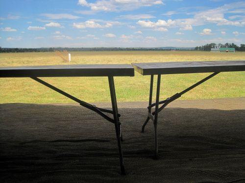 stalai, metalas, sulankstyti, tentas, lauke, metalinės stalelės ant tento