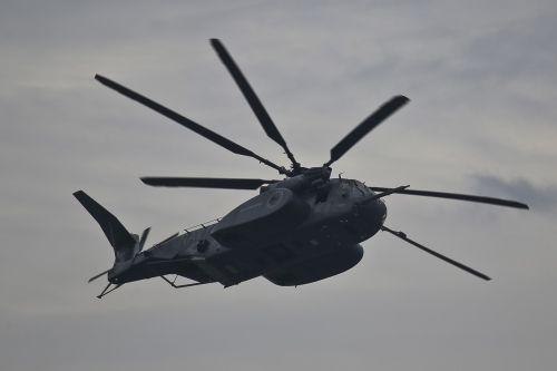 mh-53 jūrų drakonas,skrydis,orlaivis,skraidantis,formavimas,heli,sraigtasparnis,mine,skaitiklis,karinis jūrų laivynas,karinis jūrų laivynas