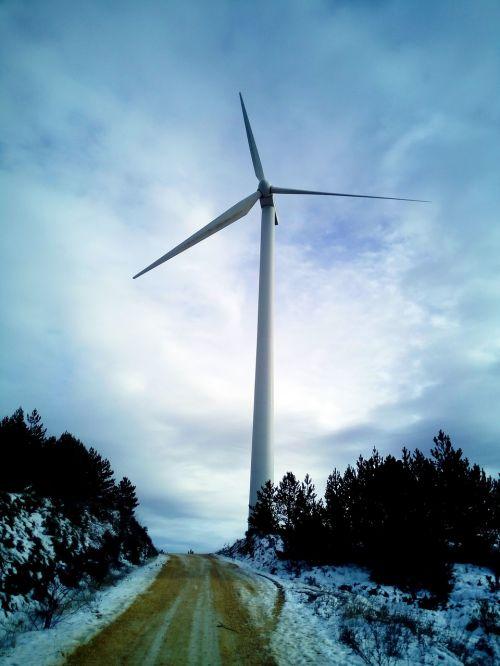 malūnas,vėjo energija,švari energija,vėjo malūnai,kraštovaizdis,vėjo malūnas,atsinaujinanti energija,vėjas,elektros energijos gamyba,gamta,ekologija,dangus,vėjo jėgainių parkas,energija,debesys
