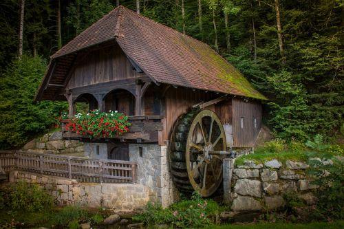 malūnas,vandens ratas,senas,vandens galia,vandens malūnas,vanduo,ratas,malimo ratas,upė,Bachas,energija,miškas,elektros energijos gamyba,kanalas,gamta,mühlbach,idiliškas,siena