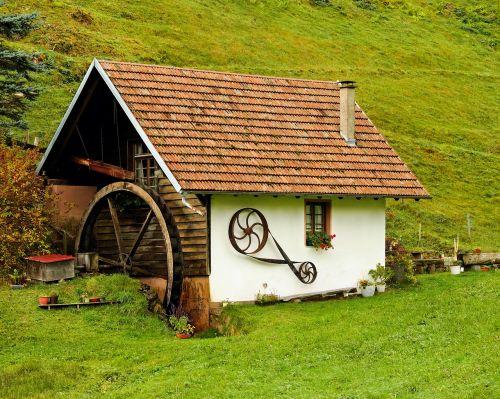 malūnas,vandens ratas,senas,vandens galia,vandens malūnas,vanduo,ratas,malimo ratas,energija,elektros energijos gamyba,ekologija,senoji malūnas,ekologiškai,idiliškas,romantiškas,vaizdingas,miškas,gamta,žalia,Juodasis miškas