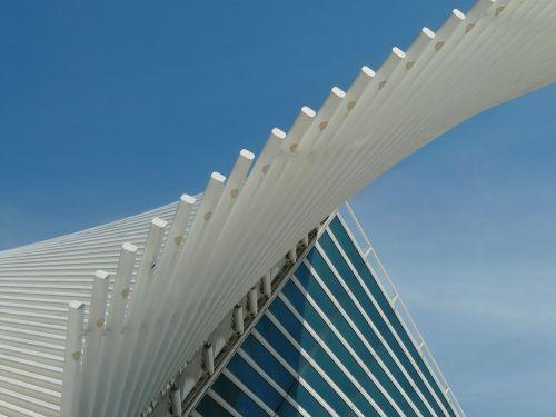 Milwaukee meno muziejus,dailės muziejus,milwaukee,Viskonsinas,architektūra,pastatas,futuristinis,šiuolaikiška,dizainas,Santiago Calatrava,muziejus,stiklas