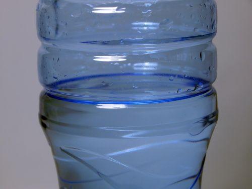 mineralinis vanduo,butelis,vanduo buteliuose,vanduo,gerti,vandens butelis,plastmasinis,konteineris,skaidrus,grynas,mėlynas,aqua,geriamas vanduo,mineralinis