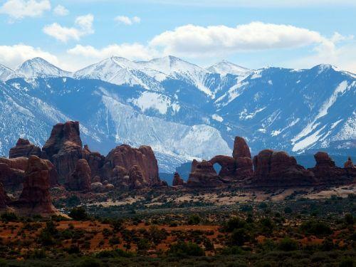 Moab,Utah,lauke,arkos,kraštovaizdis,akmenys