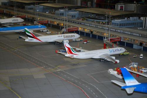 modelio oro uostas,modelio lėktuvas,modelio plokštumos,skrydis,kelionė,transportas,gabenimas,skristi,oras,aviacija,sparnas,variklis,propeleris,lėktuvas,transporto priemonė,aero lėktuvas,lėktuvas,išvykimas