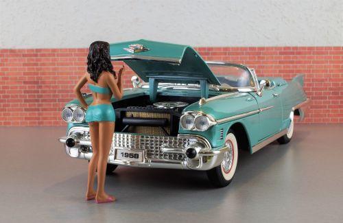 modelis automobilis,cadillac,Cadillac eldorado,automatinis,senas,Žaislinė mašina,usa,amerikietis,modelis,dioramas,palaužti,automobilio sugadinimas,defektas,nuostolingai