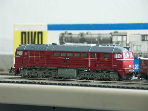 modelio geležinkelis,piko,dyzelinis lokomotyvas,taiga būgnas,masto h0,traukinys