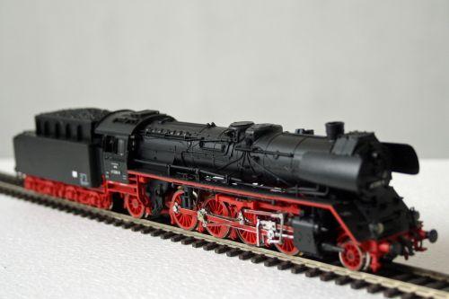 modelio geležinkelis,garo lokomotyvas,geležinkelis,1950s,masto h0,traukinys,lokomotyvas,h0,modelio traukinys,piko,žaislai