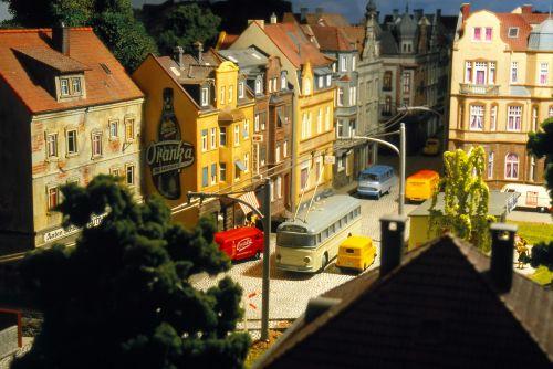 modelio traukinys,modelio geležinkelis,troleibusas,tuščiaviduris vežimėlis,modelis,žaislai,dioramas,hobis
