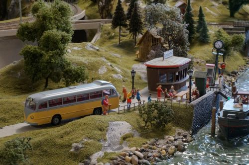 modelio traukinys,modelio geležinkelis,dioramas,autobusas,modelis,laivas,boot,uosto kruizas,magirusas