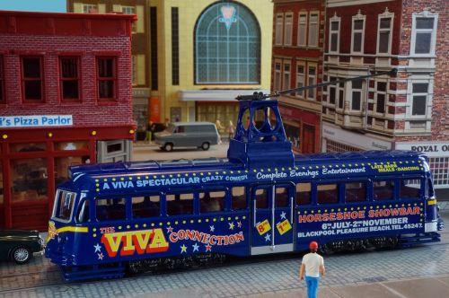 modelio traukinys,modelio geležinkelis,tramvajus,blackpool,Anglija,dioramas,masto h0