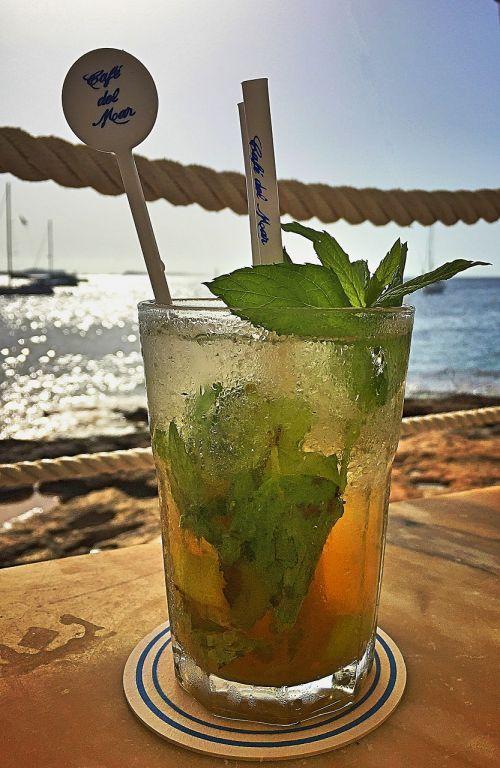 Mojito,gerti,ibiza,atsipalaidavimas,alkoholis,kokteilis,highball,Cafe del Mar,šventė,atostogos,Balearų salos,vasara,atsipalaidavimas,kelionė,jūra,Viduržemio jūros