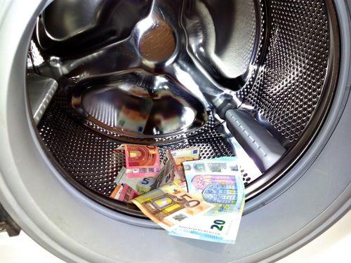 pinigų plovimas,pinigai,euras,skalbiniai,plovimas,korupcija,neteisėtas,skalbimas,banknotas,švarus,valiuta,sąskaitos