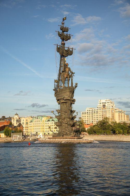 moscow,Moskvos upė,upė,miestas,dangus,Moskva upė,lankytinos vietos,paminklas,paminklas Petrui,peter,1 peter,istorija
